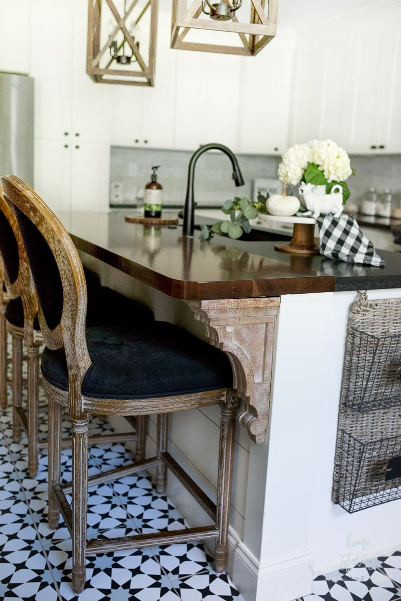 Beautiful Black & White Fall Farmhouse Kitchen | Kitchen | Pinterest
