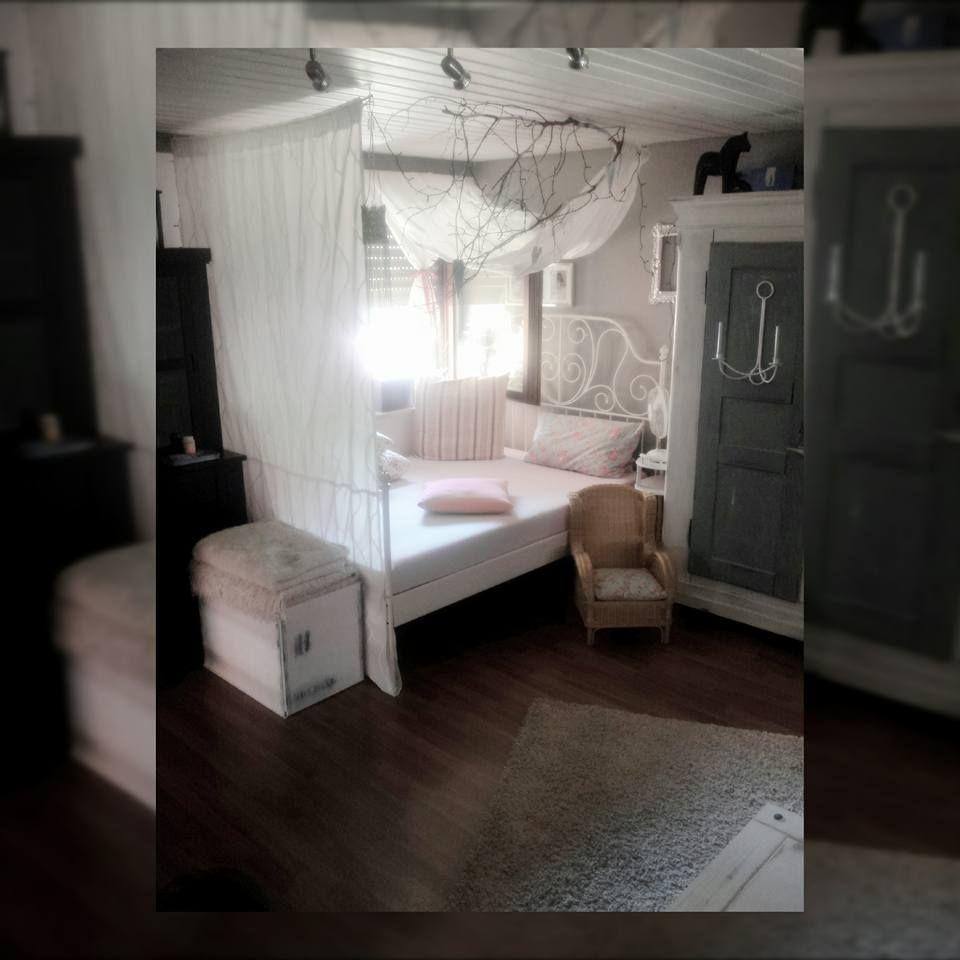 Bett Im Wohnzimmer