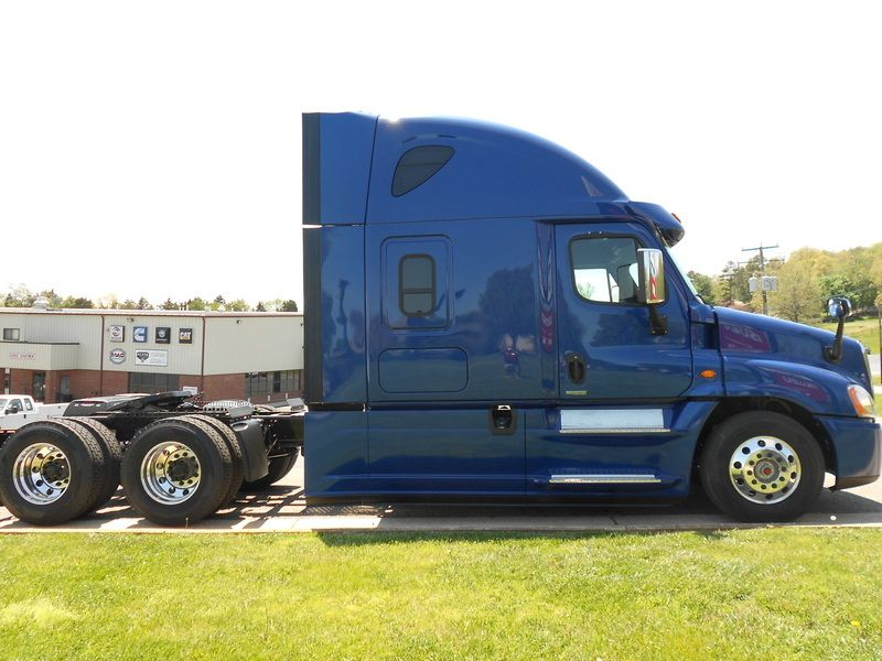 2016 FREIGHTLINER CASCADIA EVOLUTION Stock: W20F15 | Virginia Truck