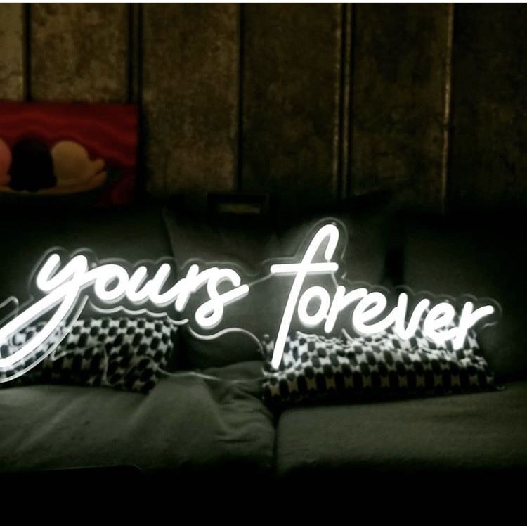 Neons that evoke feelings. Not only perfect for your