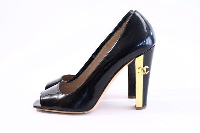 a69583eb33 Rare CHANEL Pumps with Gold CC Heels   Vintage CHANEL CLOTHING ...