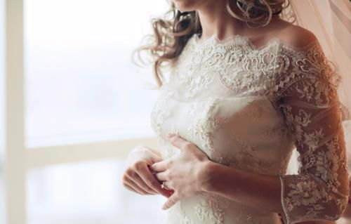 Wedding dresses and trends for 2013: Lace wedding dresses