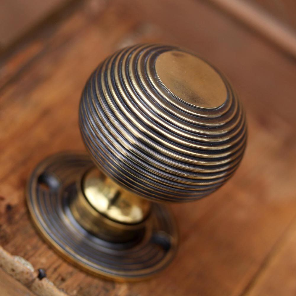 Antique door pulls knobs - A Superb Pair Of Heavy Solid Brass Beehive Door Knobs With An Antique Finish Suitable For Georgian And Victorian Doors Traditional Style And Size Suitable