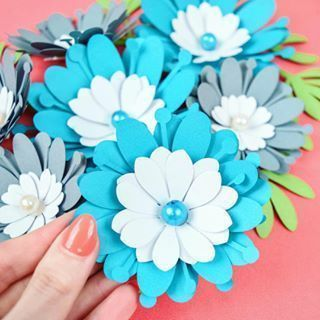 How to Make Big Paper Flowers: Easy DIY Giant Pa / #big #DIY #easy #easypaperflo...#big #diy #easy #easypaperflo #flowers #giant #paper #giantpaperflowers