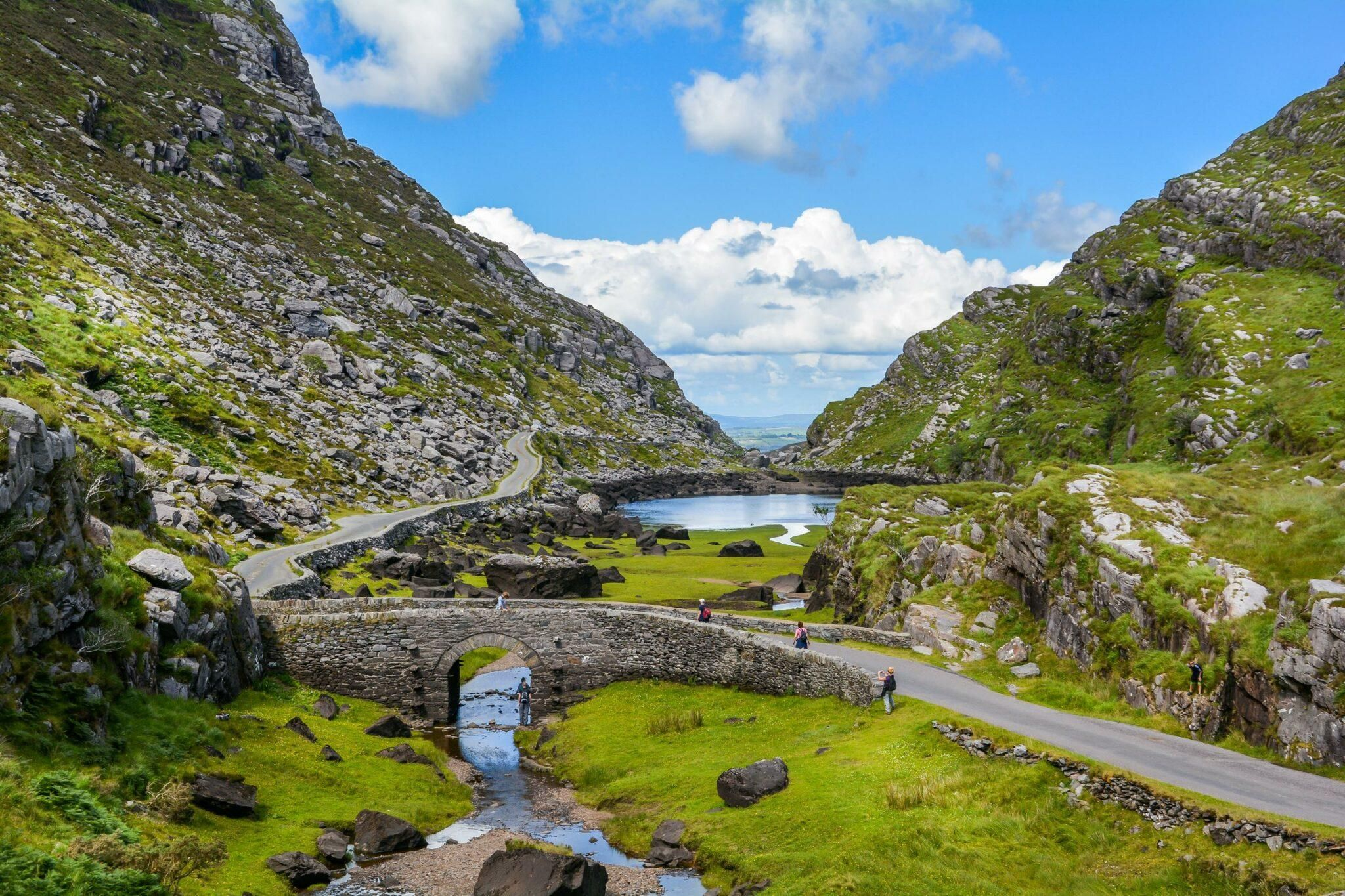 10 Best All Inclusive Resorts For Families In The Us Ireland Hiking Best Hikes Driving In Ireland