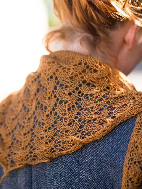 Ishbel pattern by Ysolda Teague | Chal, Tejido y Bufanda cuello