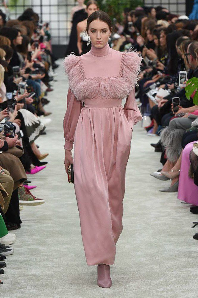 Valentino Fall 2018 Ready-to-Wear Fashion Show Collection ...