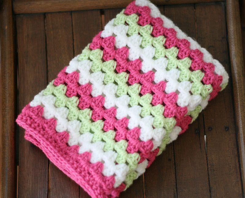 Free Crochet Pattern {Granny Stripe Blanket Tutorial   Manta ...