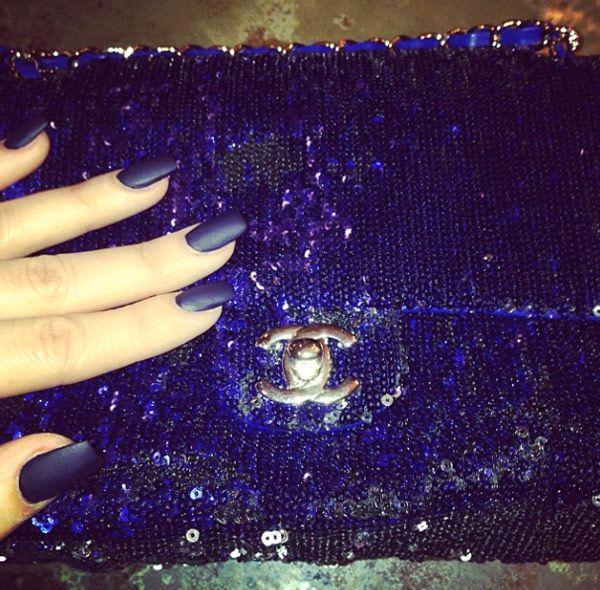 Khloe Kardashian\'s Blue Matte Nails — Get Her Cool Mani | Blue matte ...