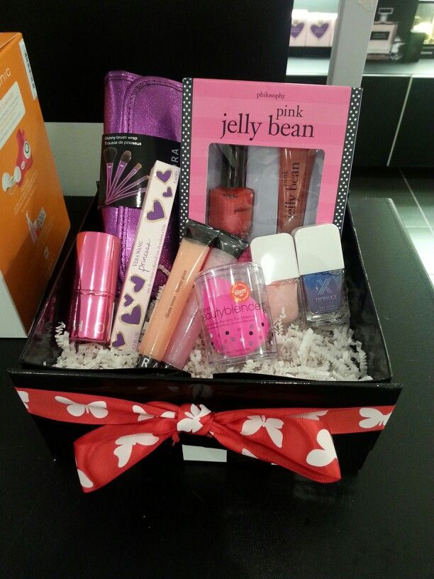 Dont give candy for easter build a beautiful sephora easter dont give candy for easter build a beautiful sephora easter basket filled with makeup and negle Gallery