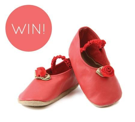 Happy #FreebieFriday! RT to win a pair of little shoes for little feet! #Giveaway #Competition #Freebie #Prize http://t.co/80IMxn3t1E
