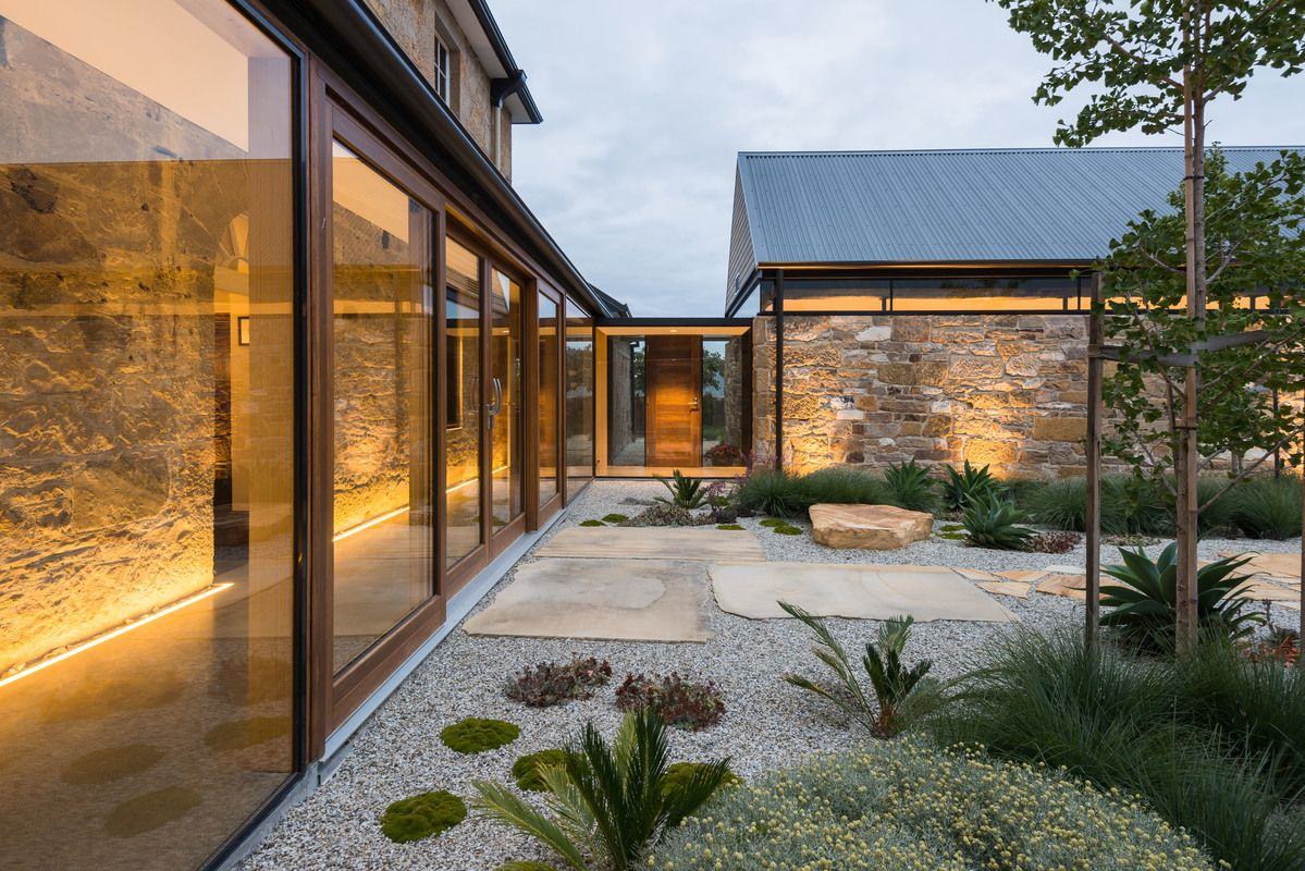 robert morris-nunn architect / (re)barn, acton park tasmania