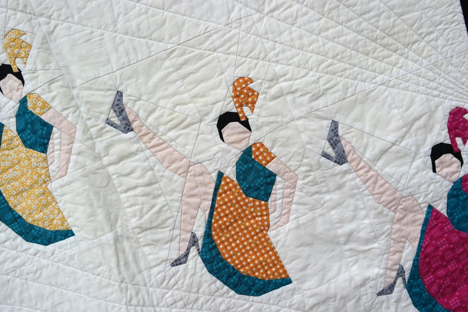 "This is just so damned fabulous! Detail from ""A Chorus Line"" quilt by Juliet of The Tartankiwi. Paper-pieced block pattern available for $10 here: https://www.etsy.com/nz/listing/236967397/a-chorus-line-paper-pieced-pattern"