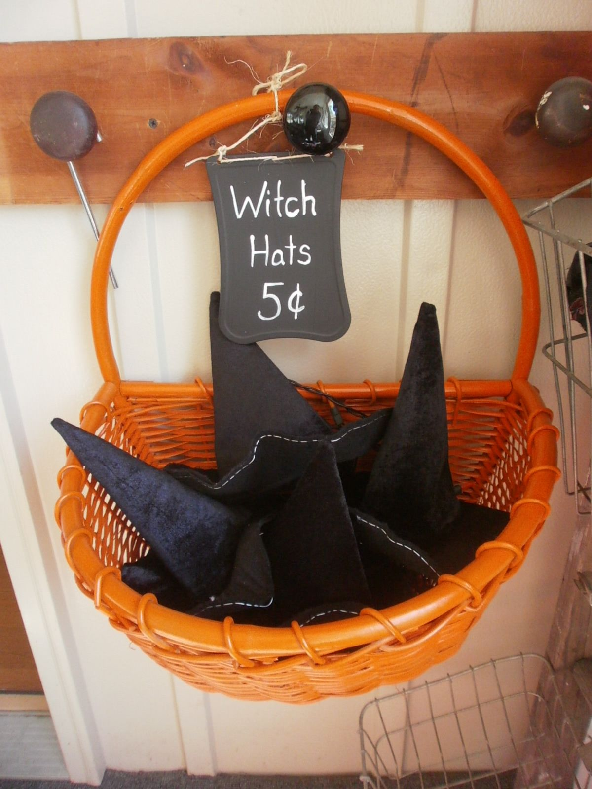 cute halloween decorations ideas spooks goblins spiders and all such gruesome things thats what halloween is made of