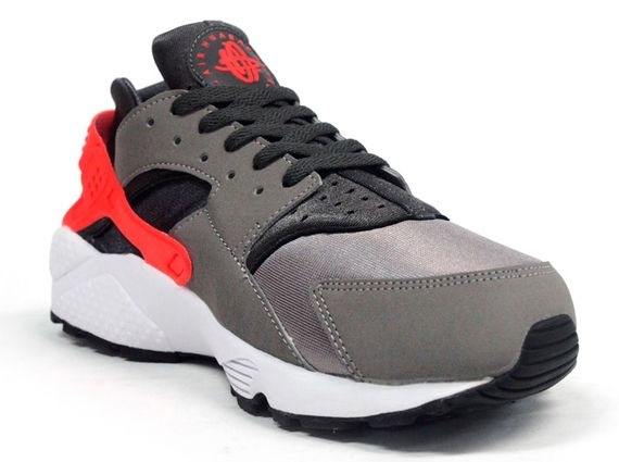 huge selection of aefd0 61672 ... switzerland nike air huarache sport grey total crimson f4939 fae12 ...
