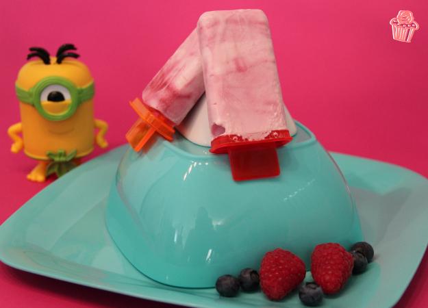 Erfrischendes Beeren-Joghurt Eis, genau das Richtige bei dem tollen Sommerwetter!