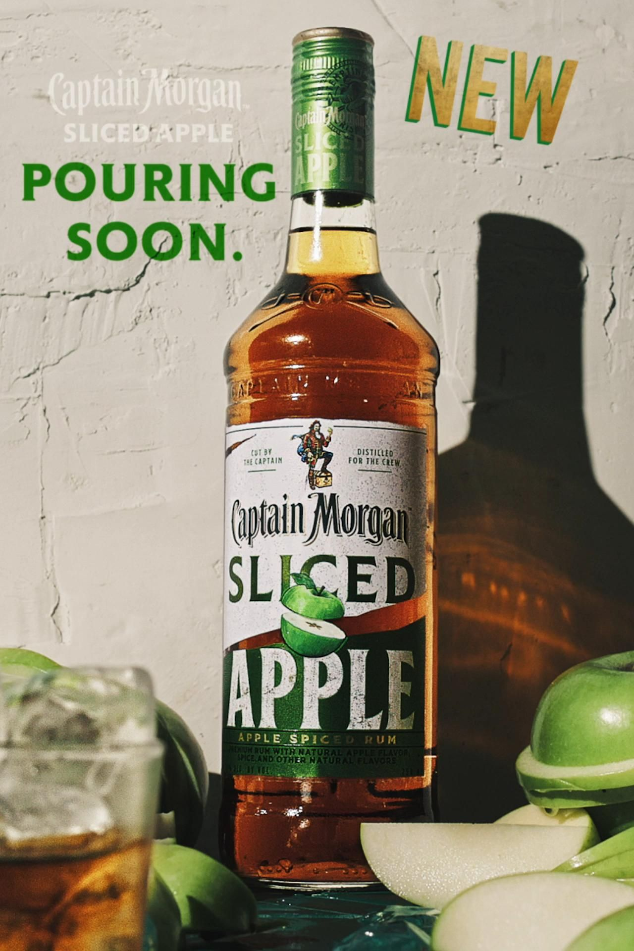Crisp Apple Flavor Right To The Core Captain Morgan Sliced Apple Is Coming Soon Video In 2020 Smoothie Drinks Mixed Drinks Recipes Apple Drinks Alcohol