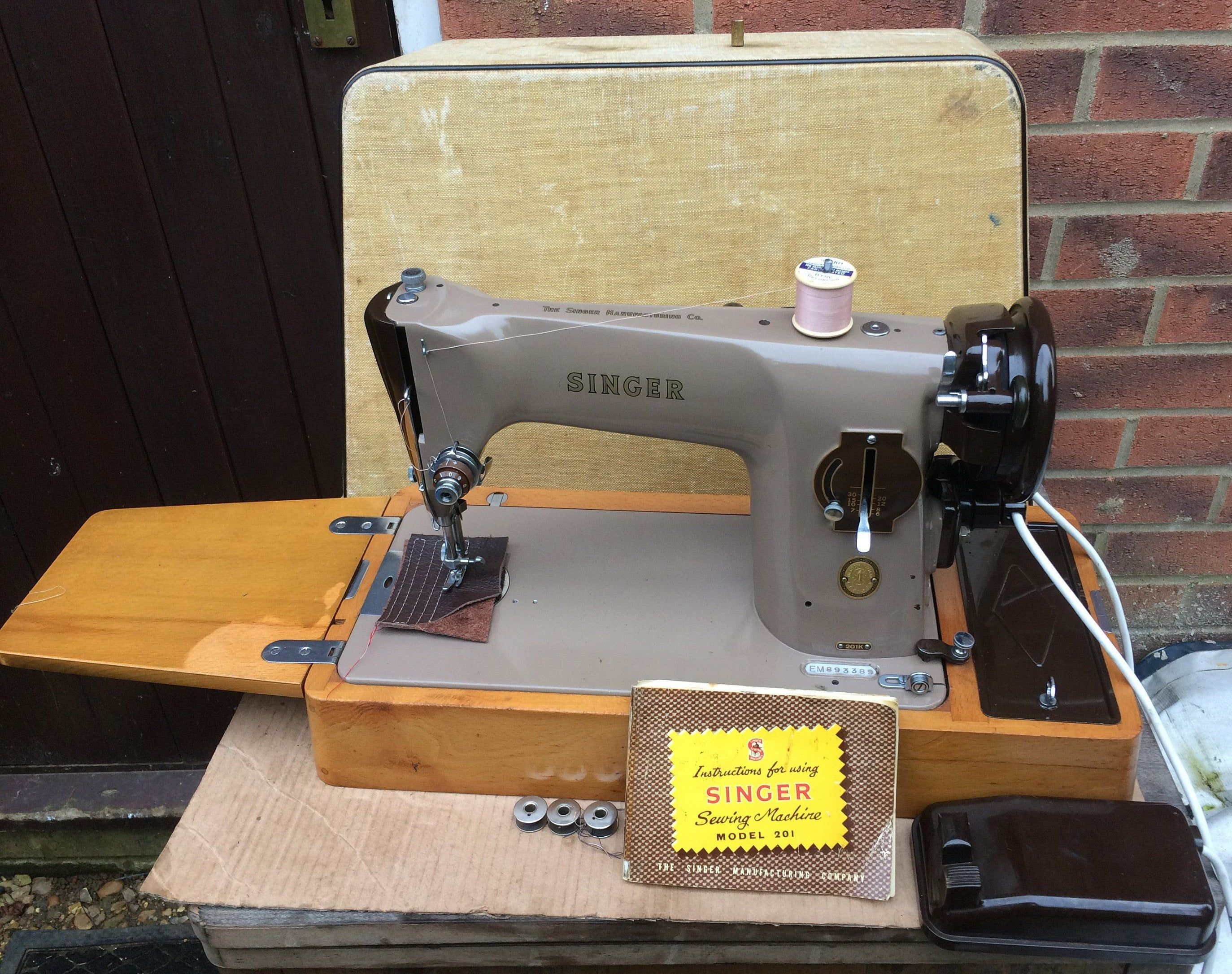 1957 Vintage Singer 201k Aluminiun Electric Semi Industrial Sewing Machine Antique Singer Sewing Machine Vintage Home Decor Art Gallery Singer Sewing Machine Vintage Antique Sewing Machines Vintage Sewing Machines
