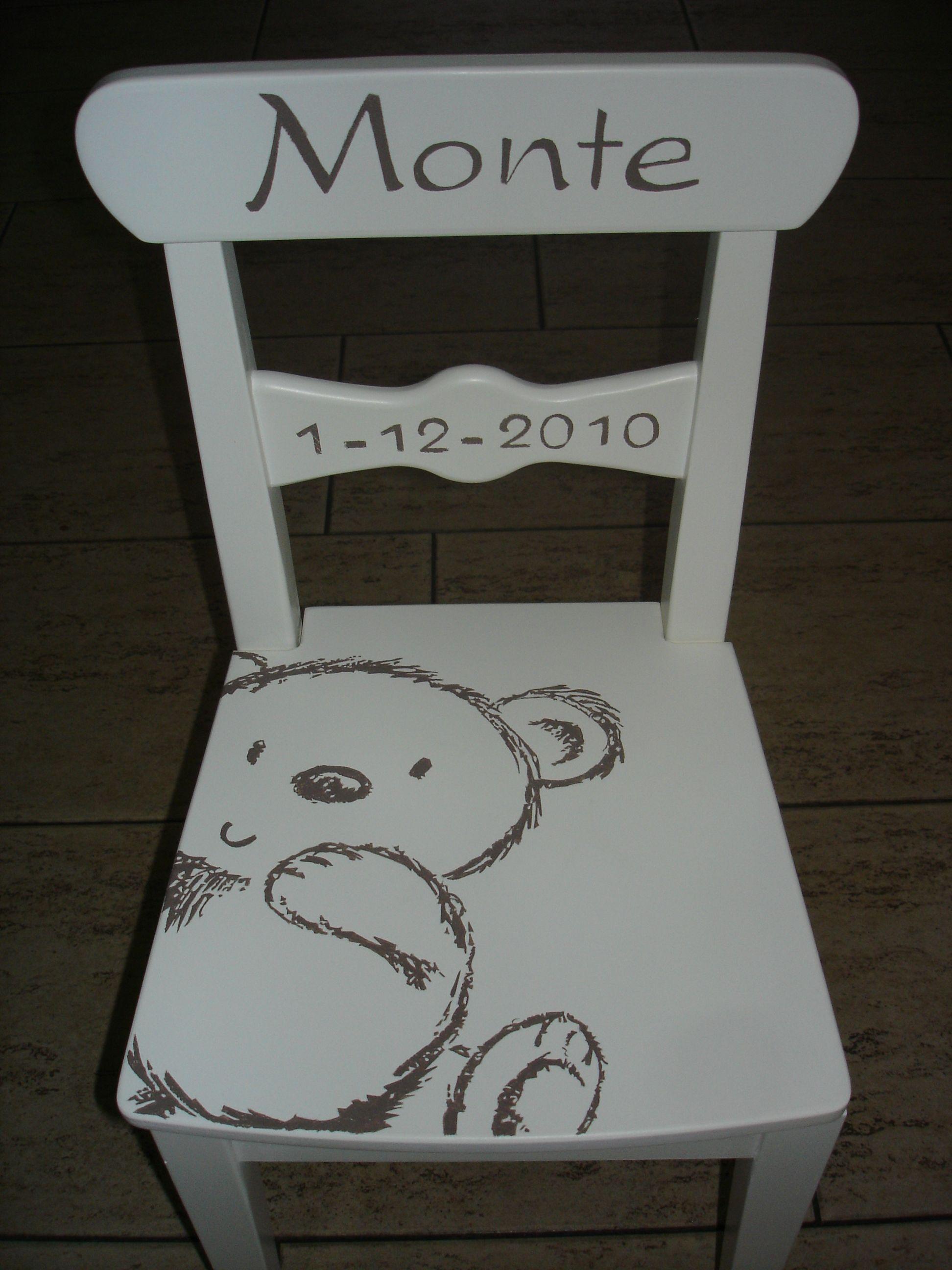 stoeltje voor Monte - door zijn eenvoud erg mooi en 1 van mijn favourieten
