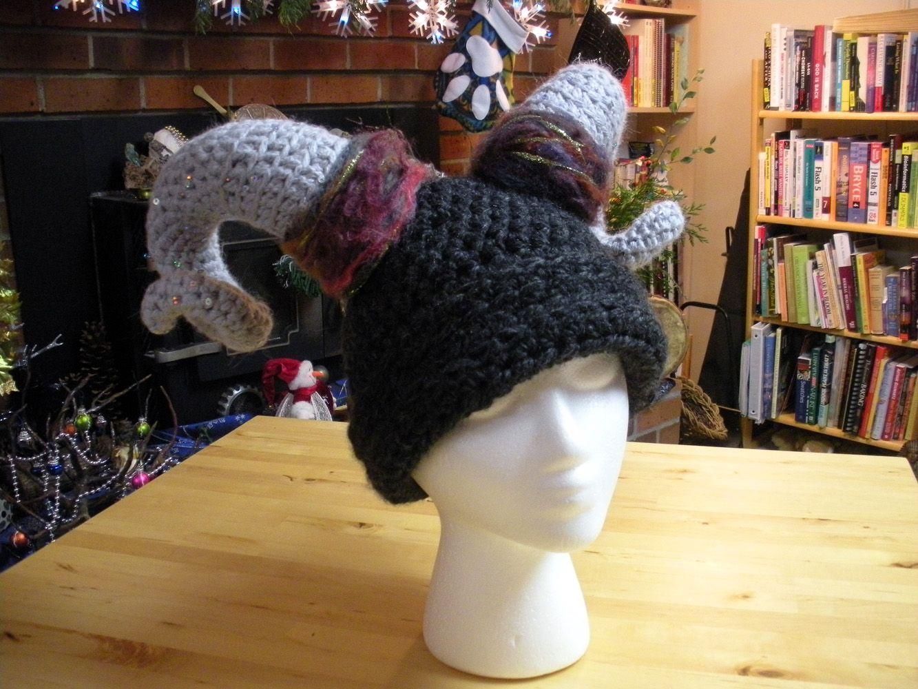 Advice on how to do crocheted curved horns | Crochet | Pinterest