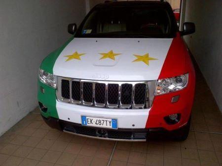 la Jeep tricolore di De Ceglie