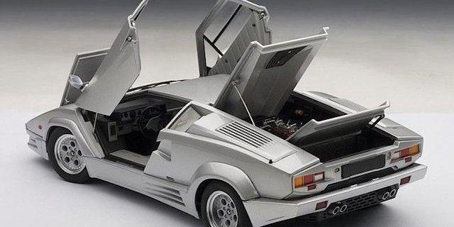 Lamborghini Countach 25th Anniversary Edition In Silver By Autoart In 1 18 Scale Lamborghini Countach Super Cars Lamborghini