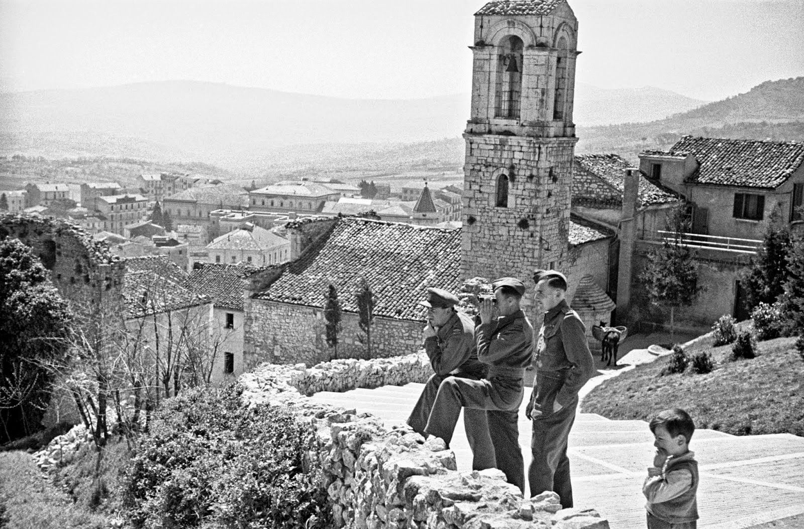 Black & White Photos of Daily Life in Campobasso, Italy in 1944