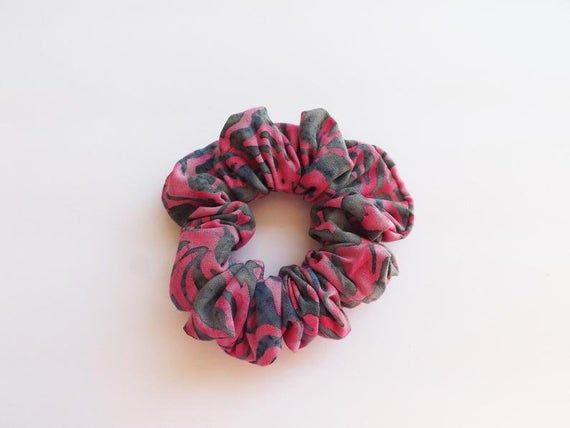Pink and grey scrunchie, scrunchies, hair scrunchy, hair accessories, hair scrunchies for women, pon #hairscrunchie