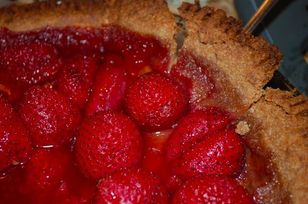 Strawberry Tart from around 1550-website has this and other SCA period German recipes
