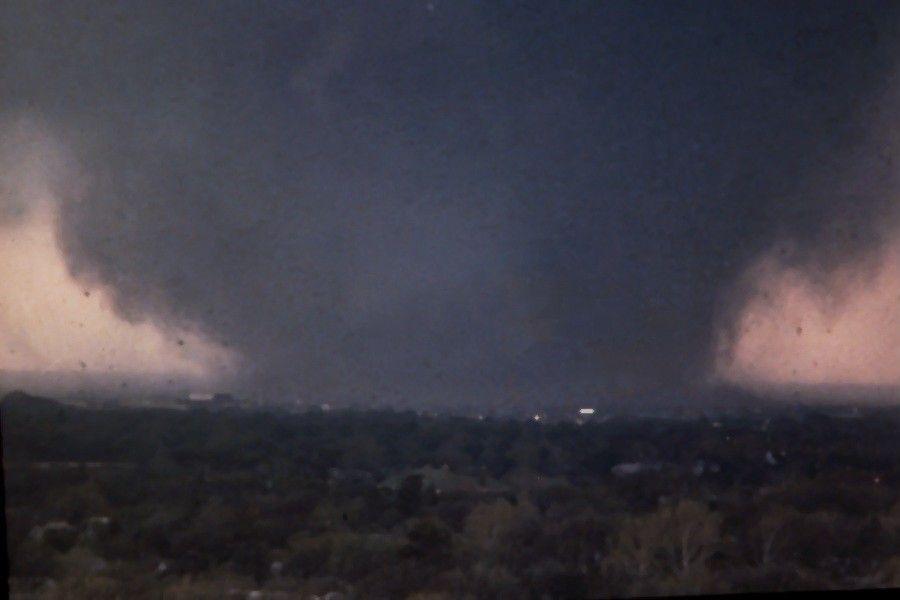 Moore Oklahoma Tornado Tornado Until The F5 Moore Oklahoma City Tornado Of May 3 1999 Tornado Pictures Wild Weather Tornado