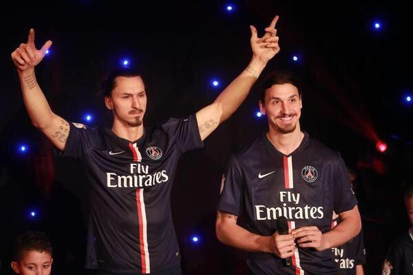 """""""@ActuFoot_: Zlatan Ibrahimovic a fait son entrée au Musée Grévin ! """" j'ai buggé pour trouver lvrai msk :((("""
