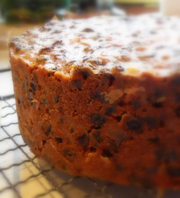 The English Kitchen: A Basic Christmas Cake