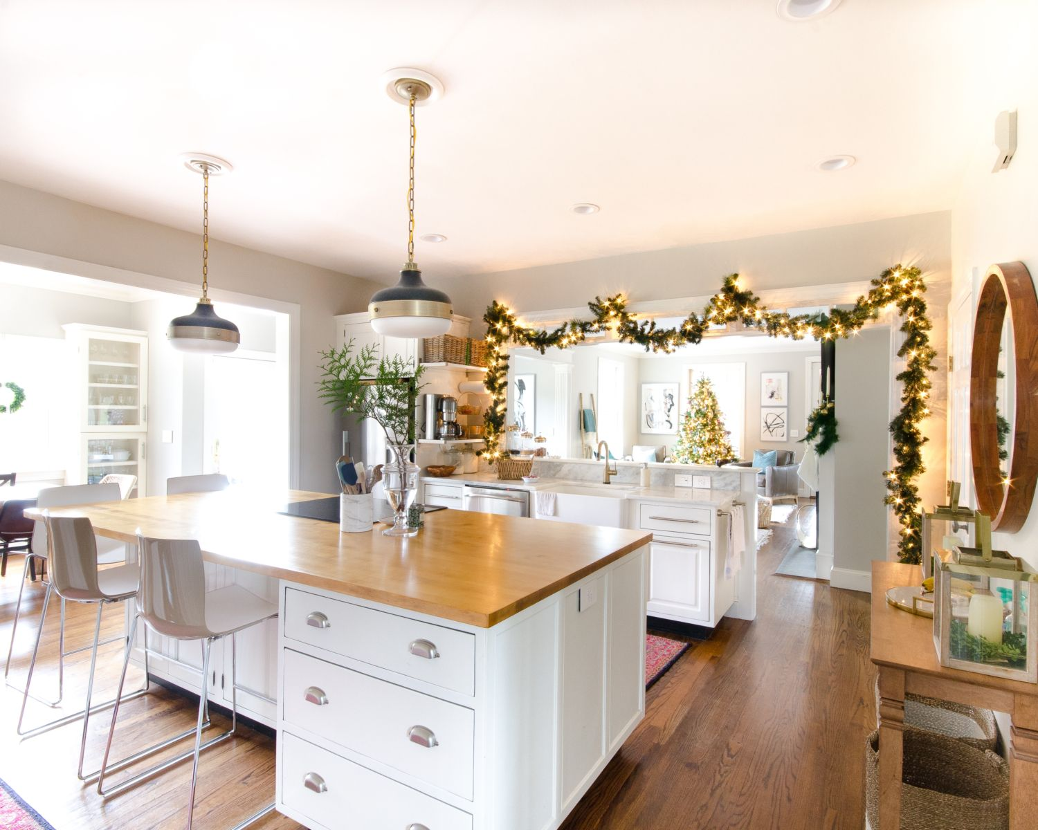 Simple and classic christmas kitchen and dining room pinterest