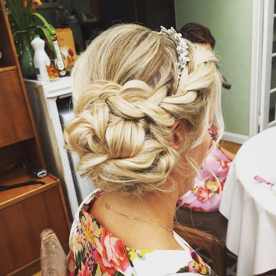 braided messy side bun wedding hair | wedding hair styles