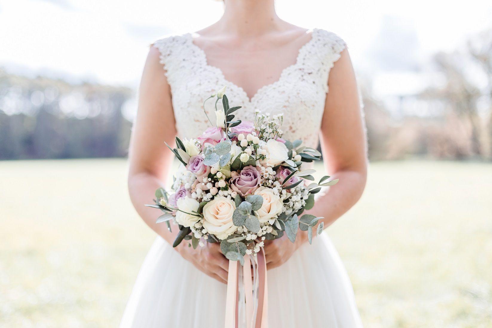 Pin von Hochzeitsladen Nürnberg auf Brautsträuße in 2020 ...