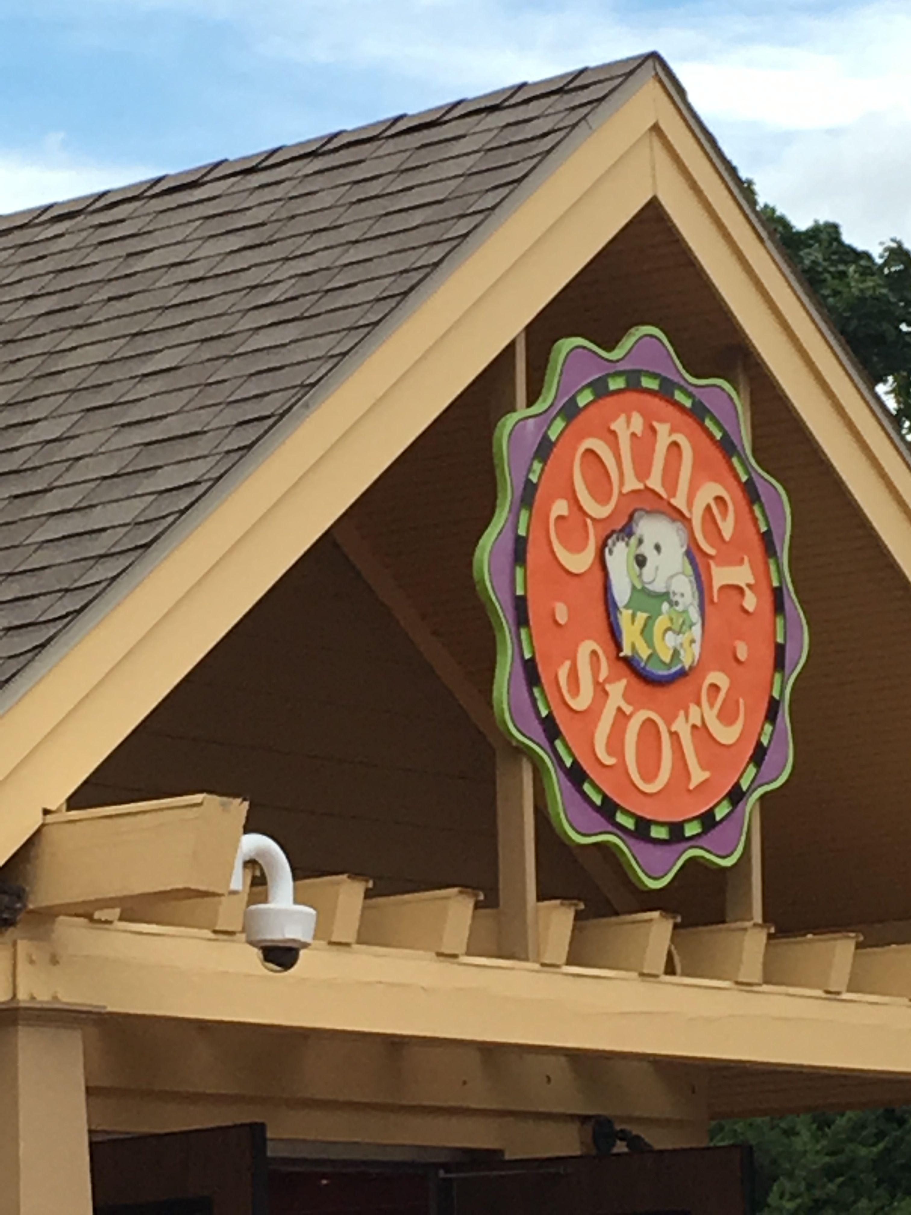Pin by Erin L on Toledo, Ohio Area Fun Bird house, Decor