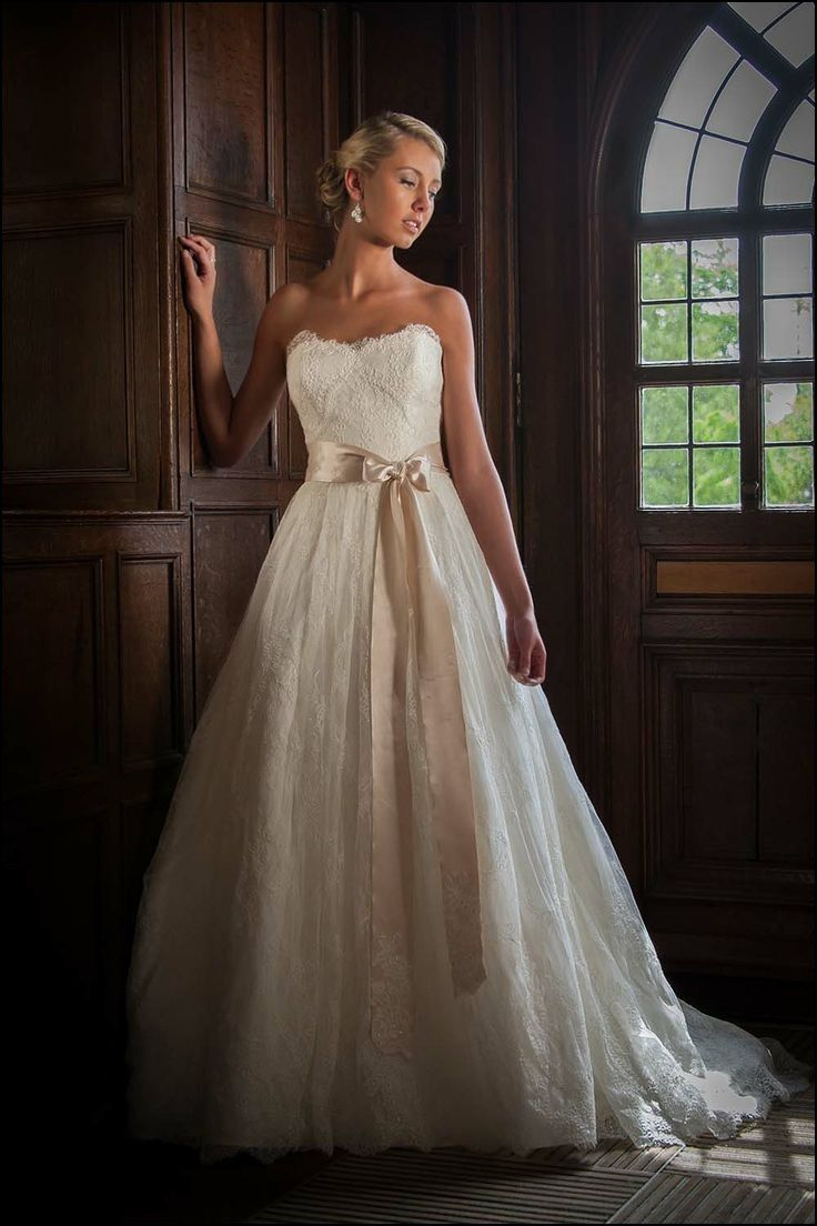 Kim Jones Wedding Gown | Dresses and Gowns Ideas | Pinterest | Gowns ...
