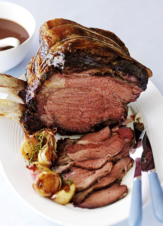 Roast beef with red wine gravy