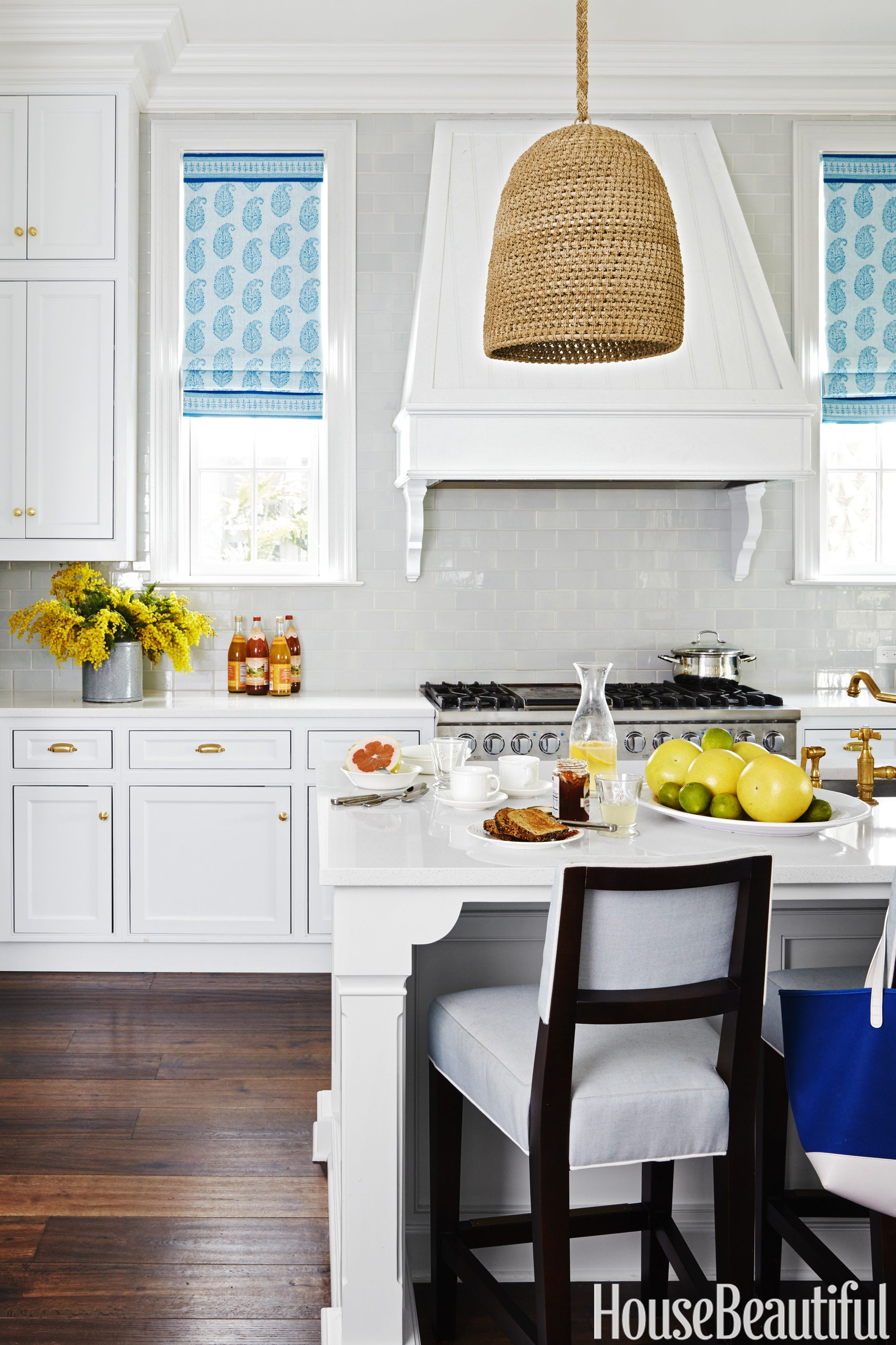 Best These Light Fixtures Will Totally Transform Your Kitchen 400 x 300