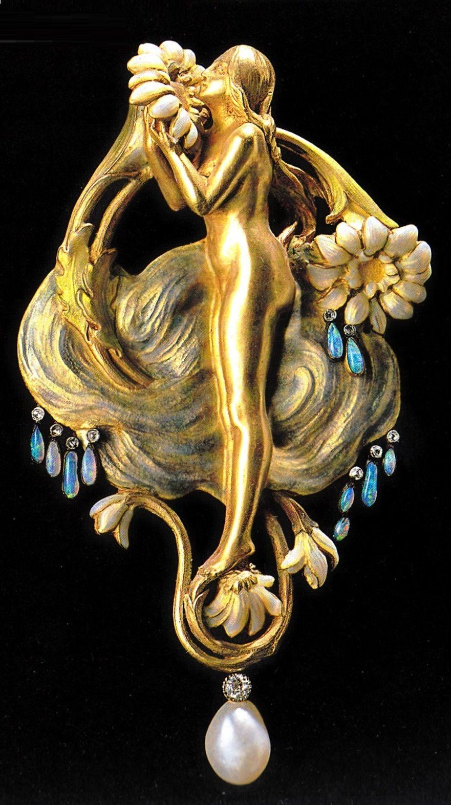 An Art Nouveau pendant - Perfume or Dew, by Henri Vever, circa 1900. Composed of gold, enamel, diamonds and opals. Collection of Musée des Arts Décoratifs, Paris. Source: René Lalique, Exceptional Jewellery 1890 - 1912. #Vever #ArtNouveau #pendant