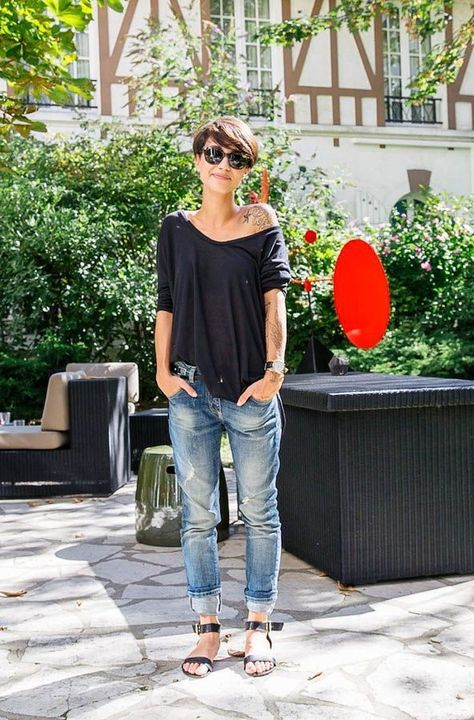 Short Hair And Off The Shoulder Top 2017 Street Style Boyfriend Jeans Fashion Style