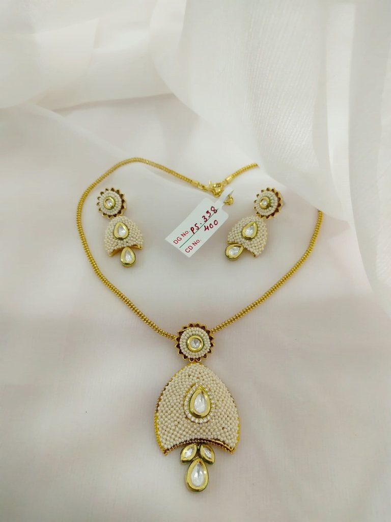 Kundan pendant set designer indian clothing pinterest pendant