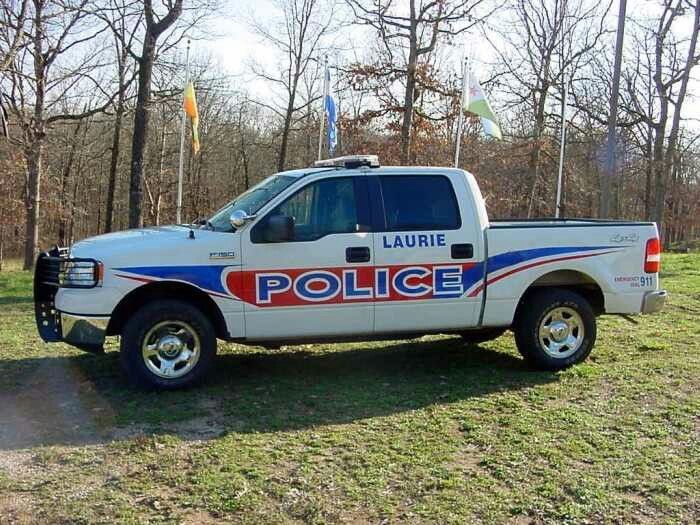 Laurie Mo Ford F150 Policia Autos