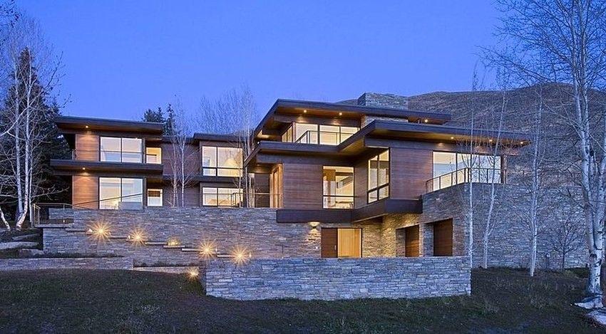 Superbe maison bois et pierre contemporaine parfaitement intégrée à