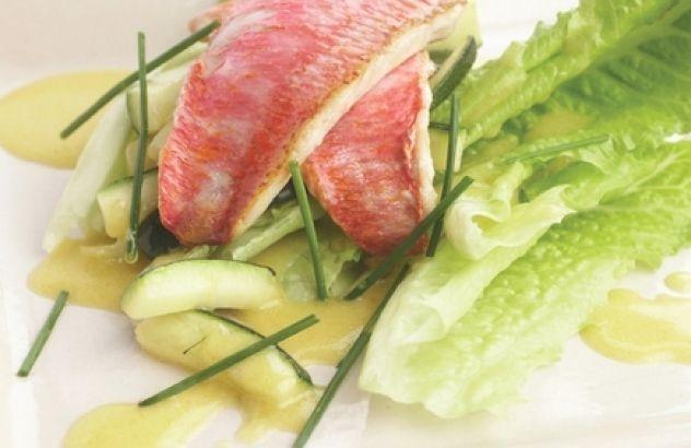 Salade met zeebarbeel en courgette