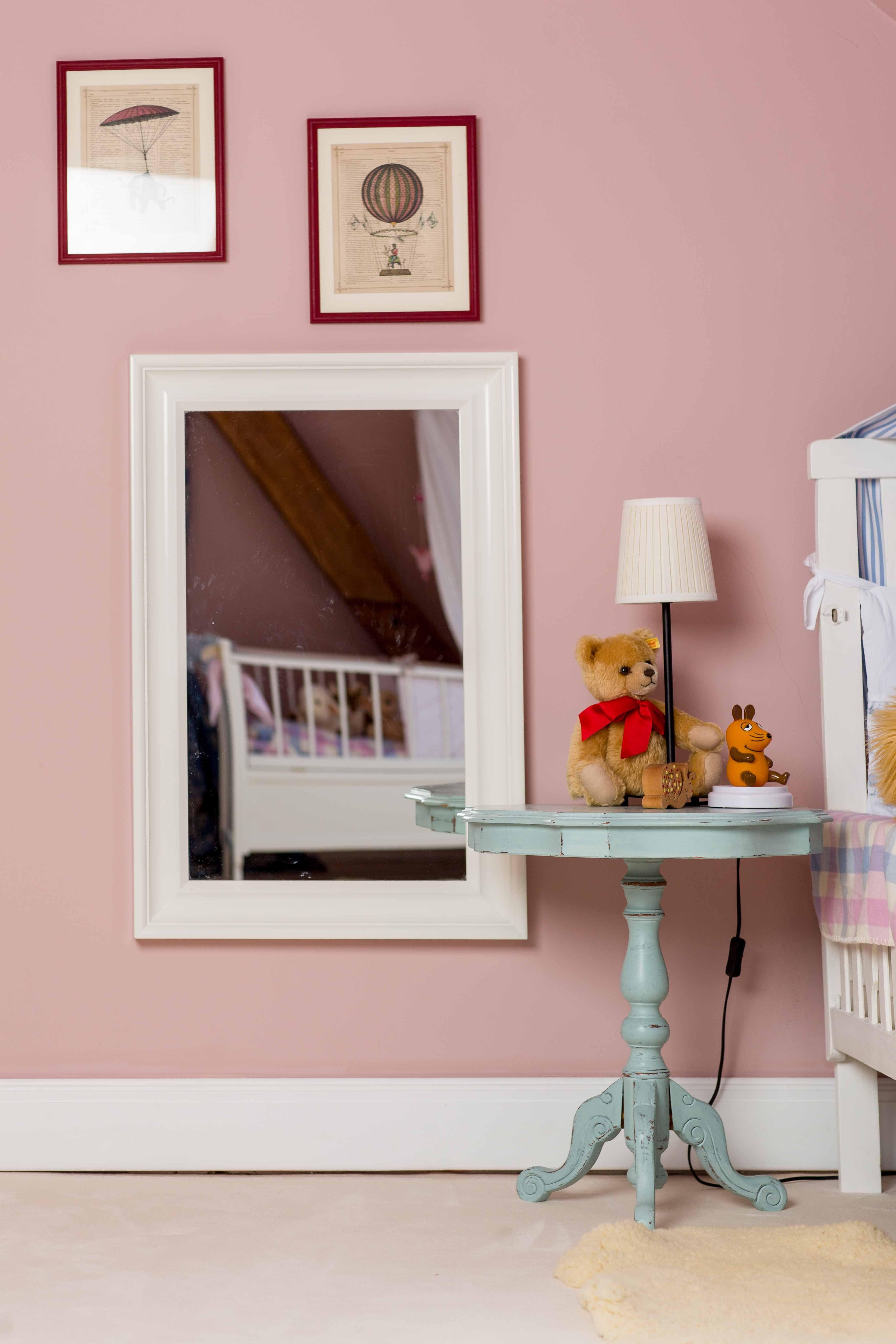 tischchen in scampolo shabby chic style m bel streichen mit kreidefarbe kreidefarben f r. Black Bedroom Furniture Sets. Home Design Ideas