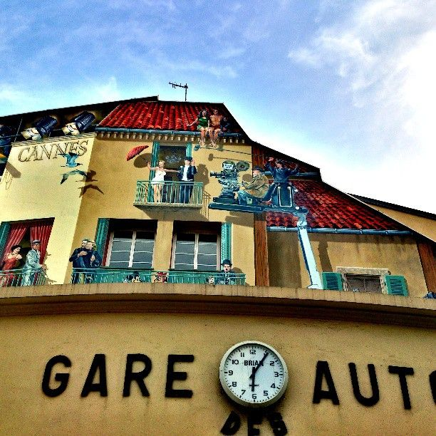 Un mur peint à Cannes - Instagram - Photo by mymiwanders