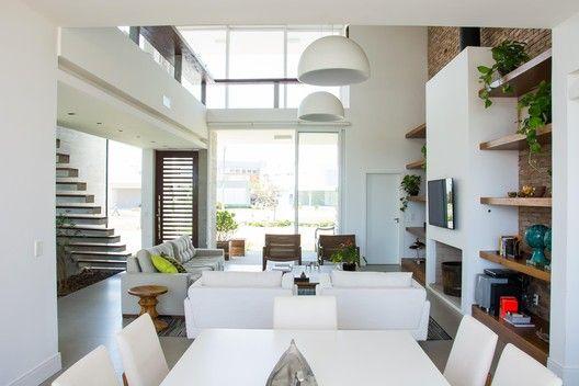 Galeria de Casa Ventura M22 / Sbardelotto Arquitetura – 16