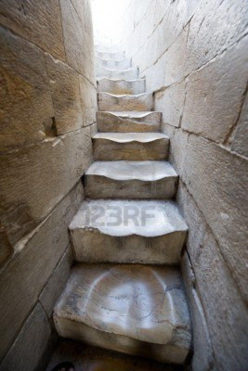 Ancien escalier en colima on en marbre dans la tour de pise escaliers pin - Escalier ancien colimacon ...