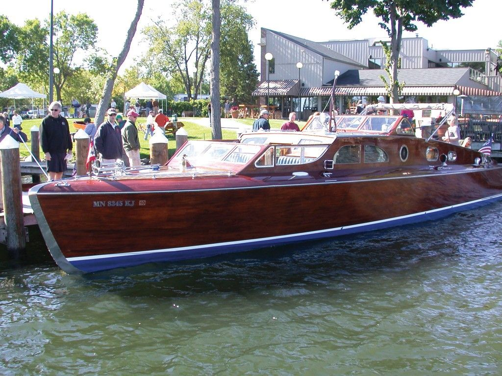 WOULD ♥ TO HAVE THIS AT OUR SHOW! Cool boats, Classic